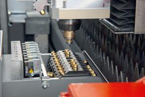 automating-laser-cutting-machine